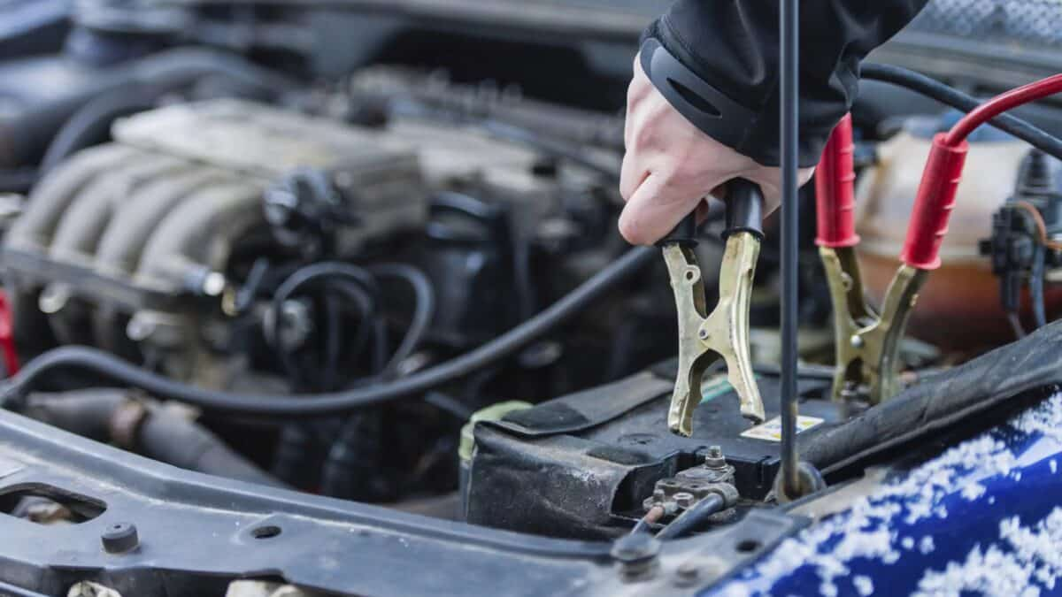 Does a Car Battery Drain Faster In Cold?